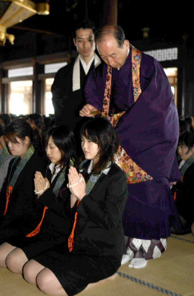 仏門への帰依誓い帰敬式 京都・西本願寺